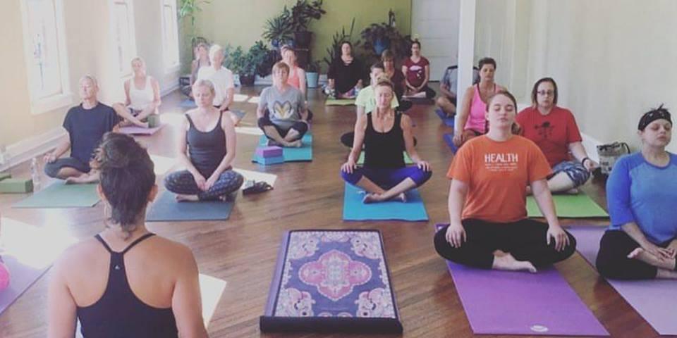 Mixed Level Yoga